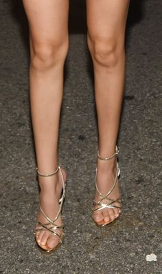 Worn by Victoria Justice.