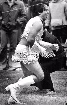 Ever the comedian, Robin Williams was never one to be afraid of doing something new, here he can be seen debuting as the first male cheerlea...