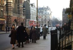 London, 1940s, in hi-res color: These photographs were taken using Kodachrome film by Chalmers Butterfield, probably in 1949.