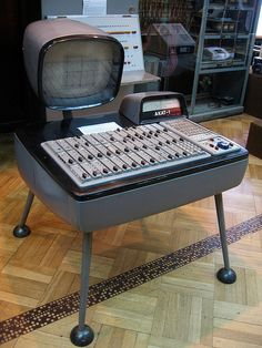 "Here's the from Poland, ""the first transistor-based differential equation analyzer, from From Retrothing: is an analog computer. Back in the this appro… Old Technology, Technology Gadgets, Tech Gadgets, Retro Arcade, Retro Futuristic, Steampunk, Cool Tech, Vintage Industrial, Gadgets"
