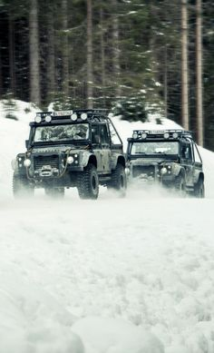 A Closer Look At The Customized Land Rover Defender In 'Spectre'