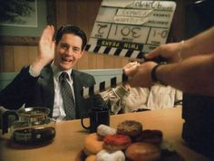 Kyle MacLachlan on the set of Twin Peaks (1990-1991, by David Lynch).