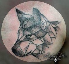 Tatuaje lobo puntillismo