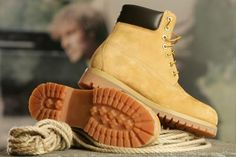 Timberland's waterproof construction-style boots can take a beating through dirty and wet conditions and keep on stomping. The classic yellow, full-grain nubuck leather boots. How To Clean Timberlands, Clean Timberland Boots, Timberland Boots Outfit, Timberland Waterproof Boots, Timberland Mens, Ugg Boots, Shoe Boots, Dandy, Business Casual Jeans