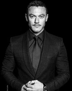 luke evans actor | Pictures of Luke Evans At The 2015 ...