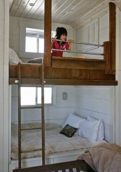 I love the feel of built in furniture, like these bunk beds (somehow both cozy and airy! For grand kids? King Size Bunk Bed, Full Size Bunk Beds, Bunk Beds Built In, Kids Bunk Beds, Loft Spaces, Small Spaces, Futon Bunk Bed, Built In Furniture, Small Apartments
