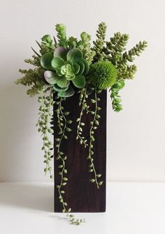 New Ideas Succulent Arrangements Diy Glass Vase Tall Succulents, Artificial Succulents, Artificial Flowers, Fake Flowers, Diy Flowers, Succulent Gardening, Succulent Terrarium, Planting Succulents, Indoor Gardening