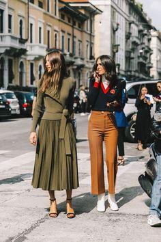 Autumn street style, street chic, milano fashion week milan fashion w Look Street Style, Autumn Street Style, Street Style Looks, Street Chic, Street Styles, Cullotes Street Style, Paris Street, Fashion Mode, Girl Fashion