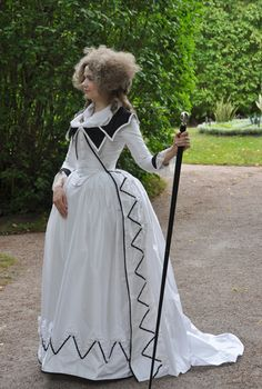 Earlier this year Kendra and I found out that we had both planned a redingote after a sketch of Marie-Antoinette for this year. I had ori. Europe Fashion, 70s Fashion, Cheap Fashion, Fashion History, Korean Fashion, Runway Fashion, Fashion Dresses, Vintage Fashion, Fashion Hacks