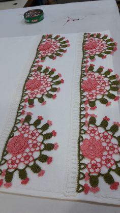 Crochet Curtains, Crochet Skirts, Crochet Doilies, Baby Knitting Patterns, Crochet Patterns, Hand Embroidery, Embroidery Designs, Crochet Borders, Crochet Home