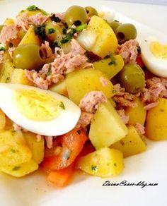 potato salad with tuna and cumin - Cuisine - Salad Recipes Healthy Healthy Dinner Recipes, Gourmet Recipes, Quick Recipes, Salad With Balsamic Dressing, Ramadan Recipes, How To Cook Quinoa, Mets, Food Print, Mozzarella Salad