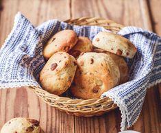 Fašankové pagáčky se škvarky Polenta, Potatoes, Bread, Baking, Vegetables, Ethnic Recipes, Pizza, Food, Wedding
