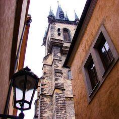 Em algum lugar de Praga #malasepanelas #praga #viagem #latergram #viajadora #TôLongeDeCasa #guiamundoafora #zigadazuca #viciosdeviagem #blogviagemadois #p101p #rascunhosdefotografia #essemundoenosso #QueroViajarMais #loveandtravel #ViagemDeFuga #MezzoMondo #mydestinationanywhere #destinomundoafora #viagemprimata #demochilaecaneca #rbbv #rbbviagem