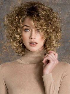 feinen natürlichen blonden Locken