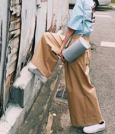 """""""Grey Elle- Bag"""" with grey wall , _ @yy_by_yuulyie @yiesunyul _ #yuulyie #yy #율이에"""