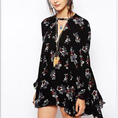 free people tunic floral print Worn couple times! Like brand new, great condition. Not able to upload picture of actual dress because I do not have it with me! Away at college and it is at home but can have someone send to you same day! Free People Dresses Long Sleeve