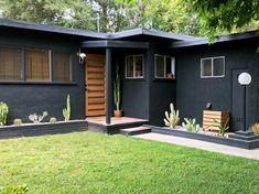 Home Renovation Exterior Awesome Black House Exterior Design Ideas You Definitely Like Black House Exterior, House Paint Exterior, Exterior House Colors, Modern Exterior, Exterior Design, Interior And Exterior, Ranch Exterior, Home Exterior Makeover, Exterior Remodel