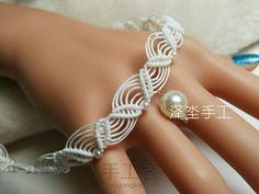 叶子花纹蕾丝感颈链 Macrame Bracelets, Knots, Bangles, Sewing, Pendant, Tutorials, Jewelry, Diy, Inspiration