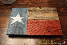 Flag wall art from fence scraps, an easy freebie project for beginners. Easy to customize with nautical or country flags! by jessicaj Patriotic Crafts, July Crafts, Patriotic Decorations, Scrap Wood Projects, Pallet Projects, Woodworking Projects, Router Woodworking, Custom Woodworking, Pallet Crafts