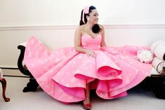 A FUN FLAMINGO EXTRAVAGANZA WEDDING WITH INFLUENCE FROM KATY PERRY AND GRAY…
