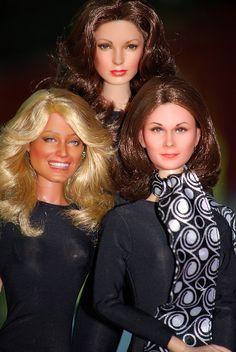 A Trio of Halos Charlie's Angels OOAK Dolls by Noel Cruz. Farrah Fawcett-Majors, Kate and Jaclyn Smith Barbie Celebrity, Celebrity Look, Pretty Dolls, Beautiful Dolls, Barbie Vintage, Vintage Toys, Divas, Kate Jackson, Barbie Collection