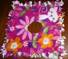 SquigglyTwigs Designs: Tuesday's Tute: Two No-Sew Ponchos Doll-size, kid-size, & adult-size! Diy Baby Blankets No Sew, No Sew Fleece Blanket, Fleece Blankets, Fleece Poncho, Crochet Poncho, Sewing For Kids, Baby Sewing, Diy For Kids, Crafts For Kids