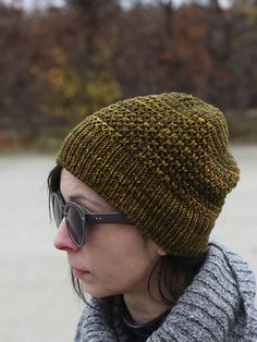 Gaufres Hat is a comfortable, slouchy hat worked in a waffle-type stitch pattern. It is knit in the round from the bottom up, the crown shaping is integrated into the stitch pattern. By Annamaria Otvos on Ravelry Knit Hat Pattern Easy, Stitch Patterns, Knitting Patterns, Kids Patterns, Hat Patterns, Knit Crochet, Crochet Hats, Waffle Stitch, Knit Beanie