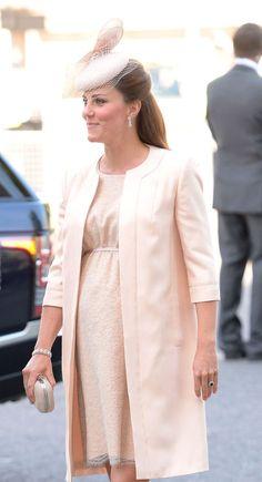 Kate Middleton a un mes de dar a luz, en el 60 Aniv. de la coronación de la Reina Isabel II