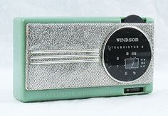 Vintage Windsor 8 Transistor AM Radio Japan.