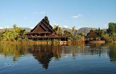 Aurum palace. Inle lake.  Travel photo by paraklet http://rarme.com/?F9gZi