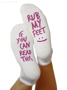 "Kindred Bravely Labor and Delivery Inspirational Fun Non Skid Push Socks for Maternity -""Rub My Feet"" *Click image to check it out* (affiliate link) Comfy Socks, Cute Socks, Funny Socks, Knit Socks, Gifts For New Moms, Gifts For Boys, Non Skid Socks, Hospital Bag Essentials, Nurse Staffing"