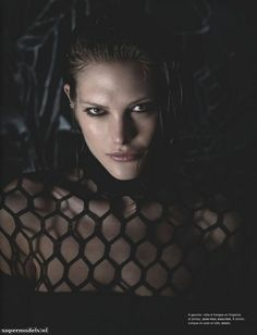 Supermodels.nl Industry News - Catherine McNeil in 'Clair-Obscur'...