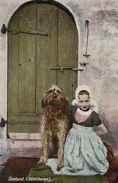 Zeeuws meisje met hond #Zeeland #Walcheren
