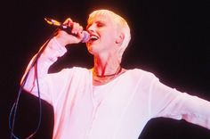 The Cranberries Chart Three in Hot Rock Songs Top 10 After Dolores O'Riordan's Death Dolores O'riordan, Rock Songs, Gods And Goddesses, News Articles, Cranberries, Billboard, Singing, Concert, Music