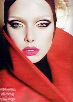 CHIC BEAUTY l matte l pink lips l Smashbox eyeshadow palette in Smokebox II http://www.smashbox.com/product/6029/23595/Eyes/Eye-Shadow/PHOTO-OP-EYE-SHADOW-PALETTE-IN-SMOKEBOX-II/New/index.tmpl