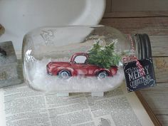 My take on the old red pickup truck loaded with Christmas trees in a mason jar dry snow globe. 7 snow globe, brightly printed paper image of red pickup loaded with Christmas trees, dry faux snow. truck is visible from both sides of jar. Dollar Tree Christmas, Christmas Mason Jars, Christmas Truck, Easy Christmas Crafts, Christmas Centerpieces, Christmas Items, Homemade Christmas, Christmas Projects, Vintage Christmas