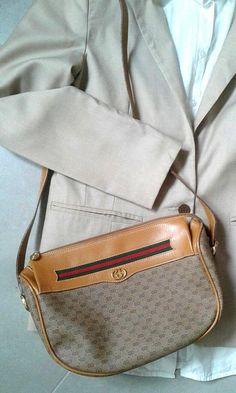 5a6b5180b090f8 Vintage Gucci shoulder bag Gucci Shoulder Bag, Gucci Bags, Vintage Gucci,  Prada,