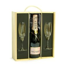 Moet & Chandon Rose Champagne & Flutes Luxury Gift Box - Birthday Gifts Presents for Her Women Wife Mum by Fine Food Store 40th Birthday Gifts For Women, Birthday Woman, Fiftieth Birthday, 50th Birthday, Rose Champagne, Champagne Flutes, 40 And Fabulous, Fifty Birthday, Moet Chandon