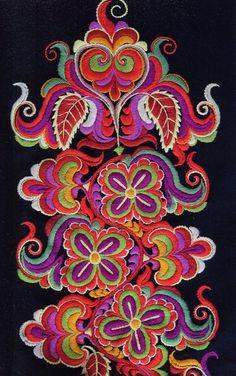 FolkCostume&Embroidery: East Telemark, Norway, socks and shoes for Raudtroje and Beltestakk Folk Embroidery, Vintage Textiles, Folklore, Female Art, Fiber Art, Norway, Scandinavian, Cross Stitch, Socks