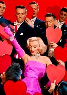 Мэрилин Монро в Джентльмены предпочитают блондинок.
