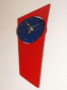 Swivel clock. Cast in aluminium.