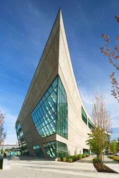 Surrey City Centre Library by Bing Thom Architects / Surrey, BC, Canada