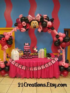 Minnie Mouse Birthday Party Ideas add berry polka dot balloons instead of regular berry with solif pink and black and pink Hot pink table cover. Find hot pink polka dot material with pink and black for backdrop. Minnie Mouse 1st Birthday, Minnie Mouse Theme, Balloon Decorations, Balloon Arrangements, Mickey Party, Mouse Parties, Birthday Parties, Birthday Ideas, Party Ideas