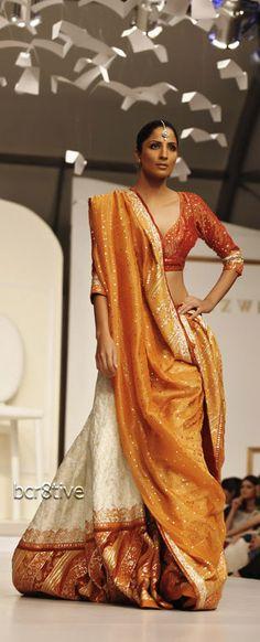 #Pakistan's Fashion #Designer @NidaAzwer's Debut Solo Show Storms Karachi https://www.facebook.com/nidaazwerfashionhouse clcik through for more gorgeousness