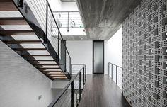 Galeria de 22 casas estreitas que geram um amplo impacto - 109