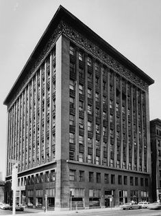The Wainwright Building of 1891 by Louis Sullivan and Dankmar Adler was one of the first skyscrapers and a precedent for modern office buildings. It feature a tripartite composition of base, shaft, and attic which follows the structure of a classical column.
