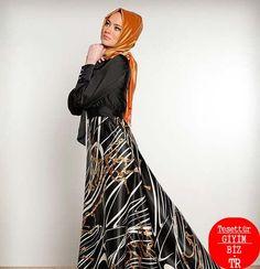 Gerçektende çok güzel olan bu model kadınların hayallerini süslemeye devam ediyor. http://www.tesetturgiyim.biz.tr/tuay-karaca-2013-ilkbahar-yaz-modelleri/