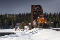 https://flic.kr/p/RjZHjc | 5257 at Bridge 57 | Crossing the Clark Fork River atop Montana Rail Link's Bridge 57, BNSF Railway C44-9W No. 5257 leads an eastbound mixed freight into Trout Creek, Montana.