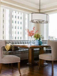 Back Bay Residence – Terrat Elms Interior Design - Dining Area in open-plan apartment