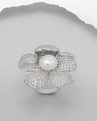 rhodium plated sterling silver flower ring decorated with CZ, Simulated Pearl